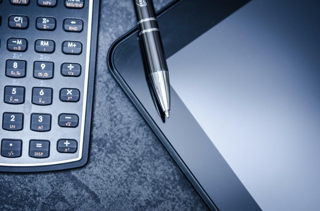 Het digitale tijdperk: laptops, computers en smartphones.